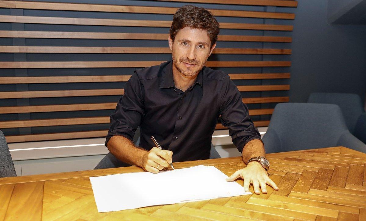 Víctor Sánchez przedłużył umowę